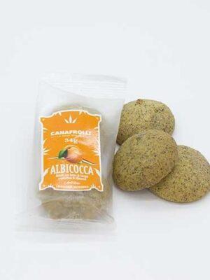Biscotti di farina di canapa ripieni all' albicocca cookies hemp